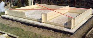 Stavba zahradní chaty - měření úhlopříček